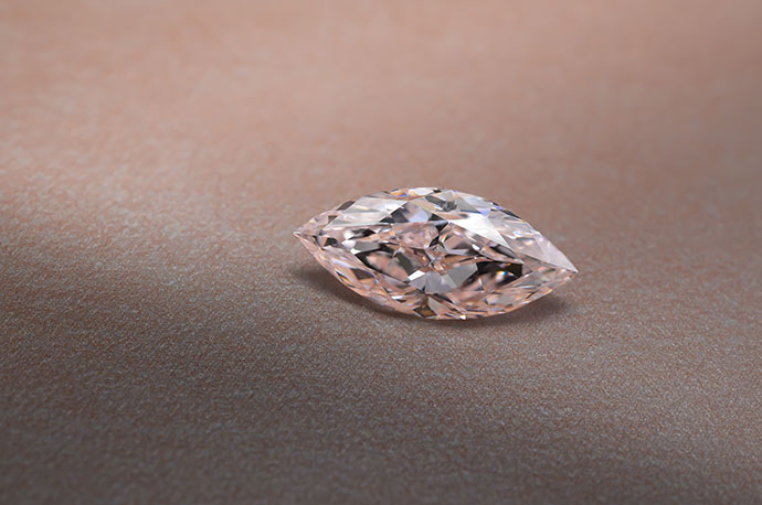 3.12ct-LP-300851-mood-1-690