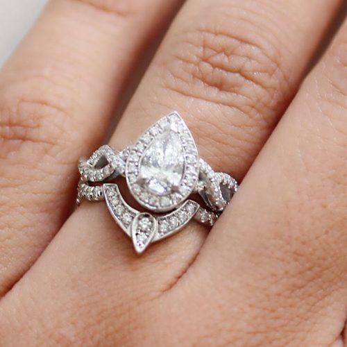 The 'V' or Chevron Engagement Ring
